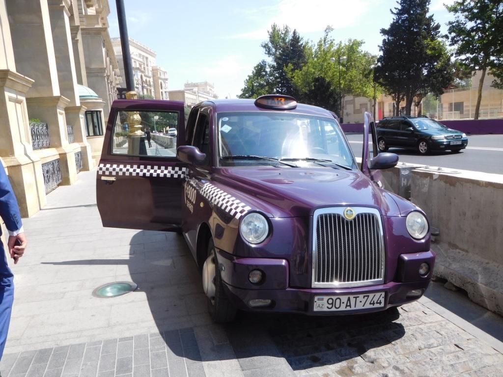 бакинское такси баклажан