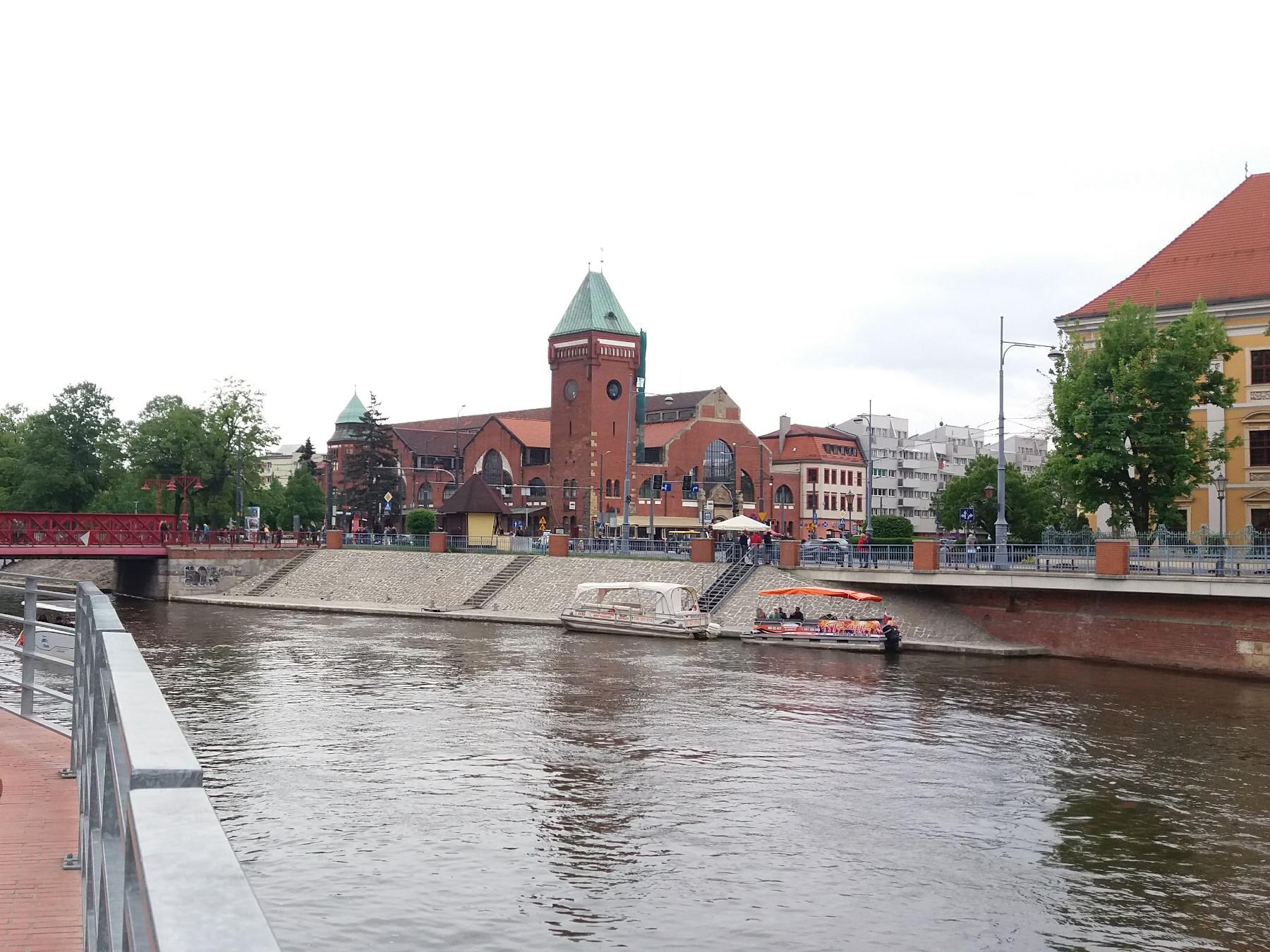 Вроцлавский крытый рынок (Hala Targowa)